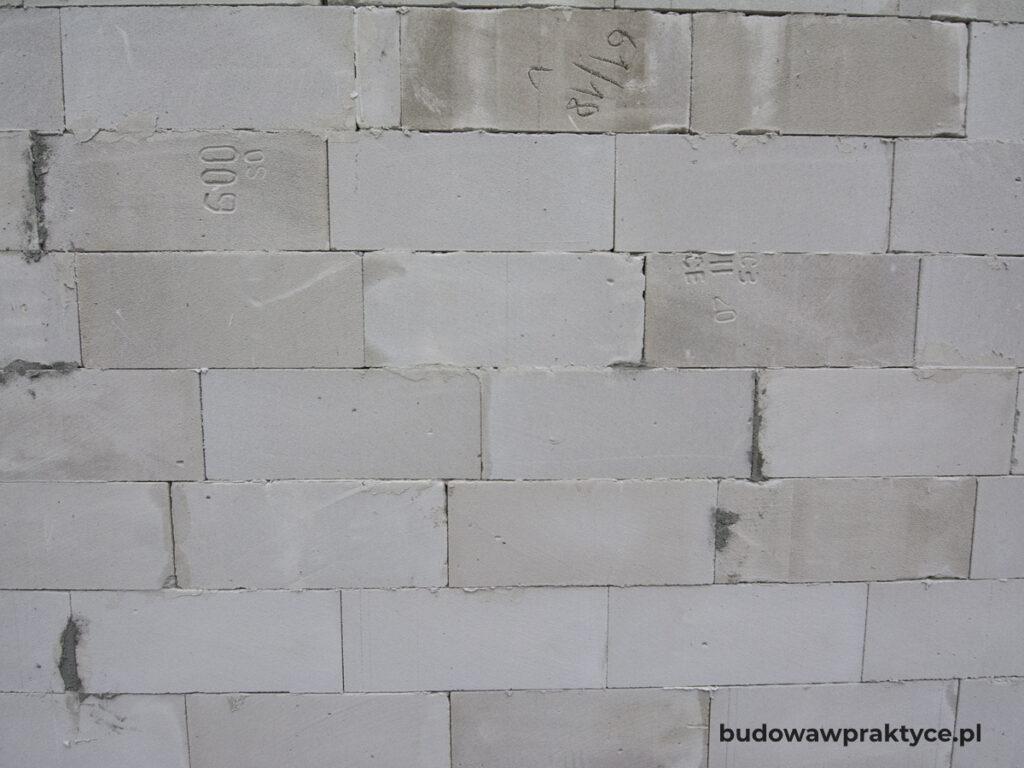 ściana murowana z gazobetonu